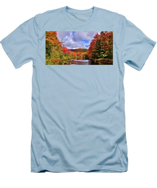 Men's T-Shirt (Athletic Fit) featuring the photograph The Colors Of Fall On The Moose River by David Patterson