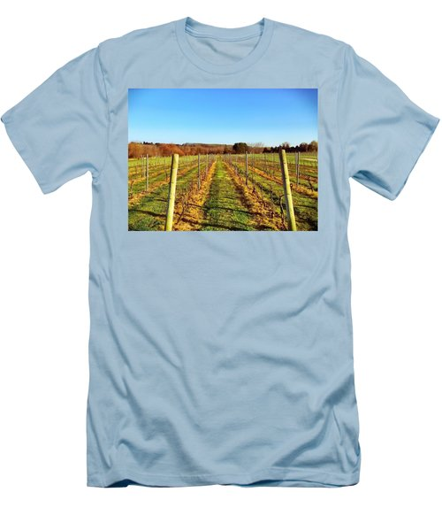 The Vineyard Men's T-Shirt (Athletic Fit)