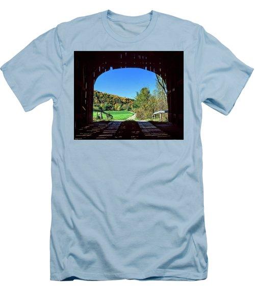 Vermont Covered Bridge Men's T-Shirt (Athletic Fit)