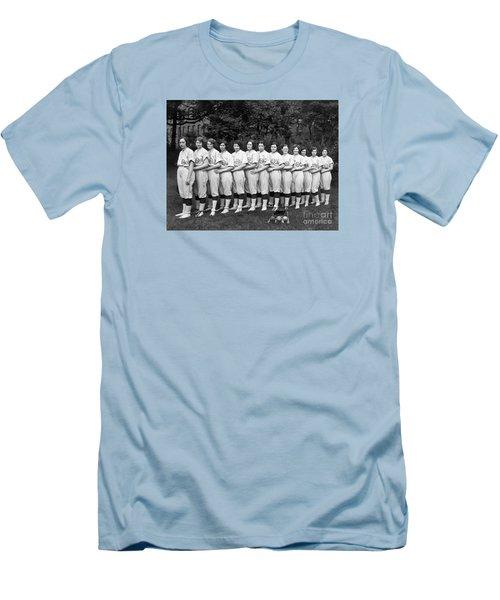 Vintage Photo Of Women's Baseball Team Men's T-Shirt (Slim Fit) by American School