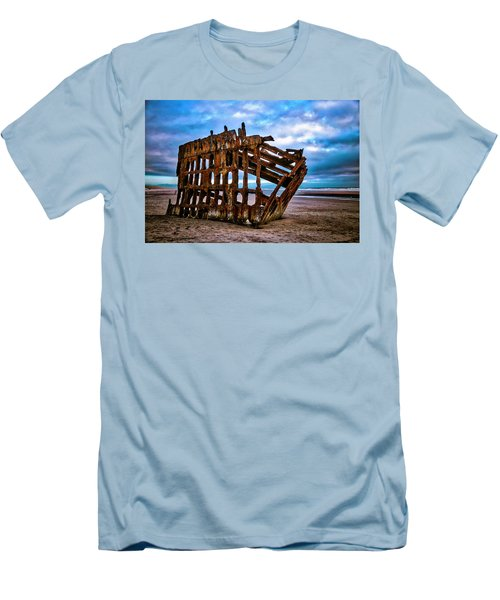 Weathered Shipwreck Men's T-Shirt (Athletic Fit)