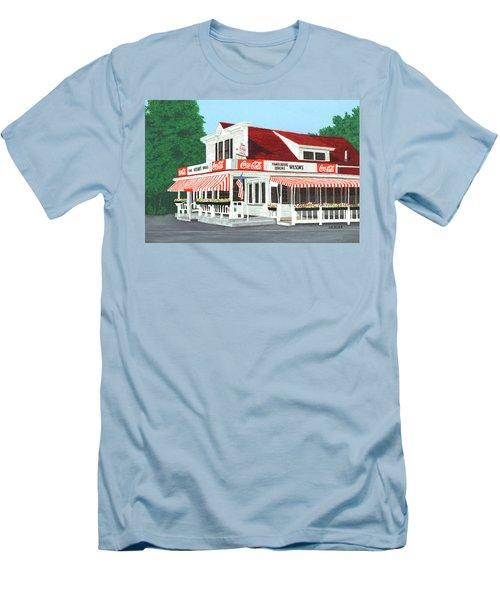 Wilson's Men's T-Shirt (Athletic Fit)