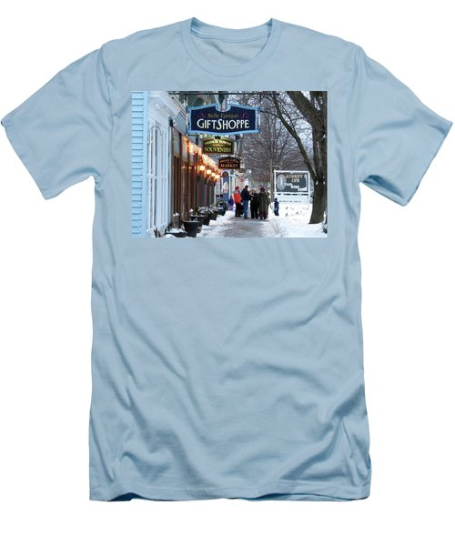 Winter In Cape Vincent Men's T-Shirt (Athletic Fit)