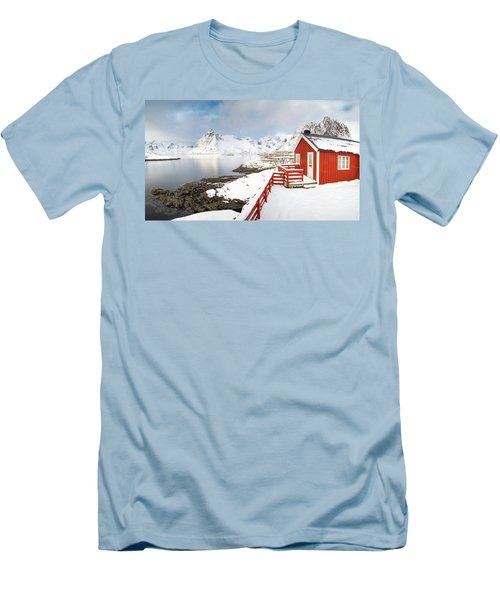 Winter Morning Men's T-Shirt (Slim Fit)