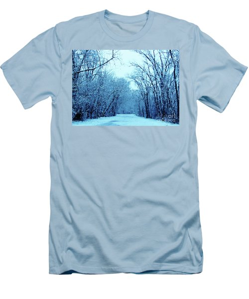 Wisconsin Frosty Road In Winter Ice Men's T-Shirt (Athletic Fit)