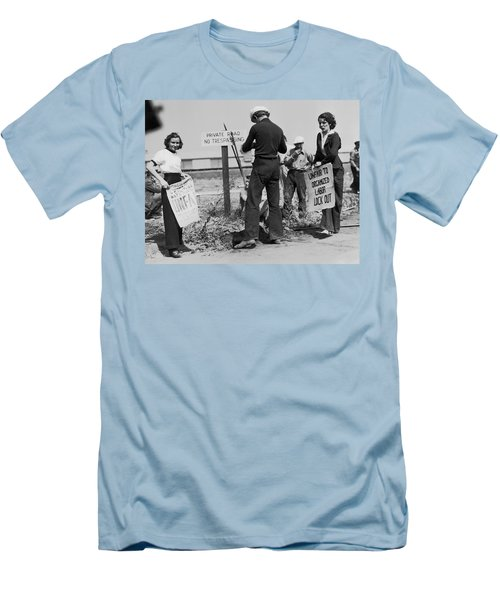 Women Pickets In Salinas Men's T-Shirt (Athletic Fit)