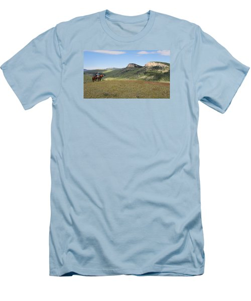 Wyoming Bluffs Men's T-Shirt (Slim Fit)