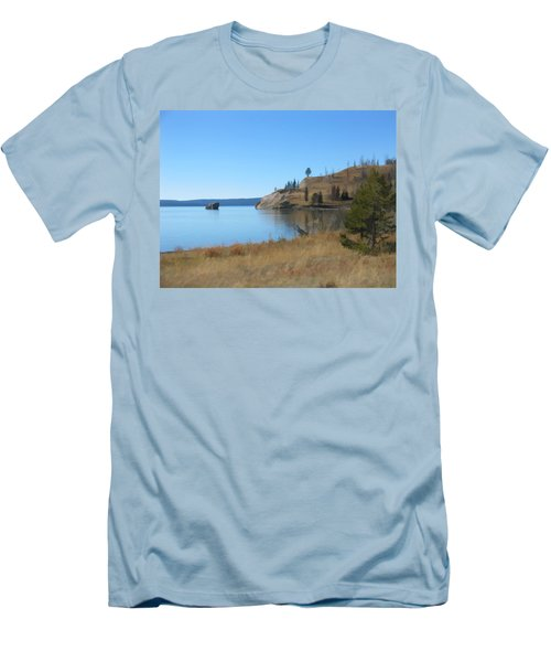 Yellowstone Lake Se Men's T-Shirt (Athletic Fit)