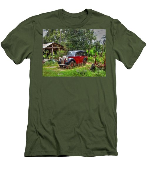 English Cab Men's T-Shirt (Athletic Fit)