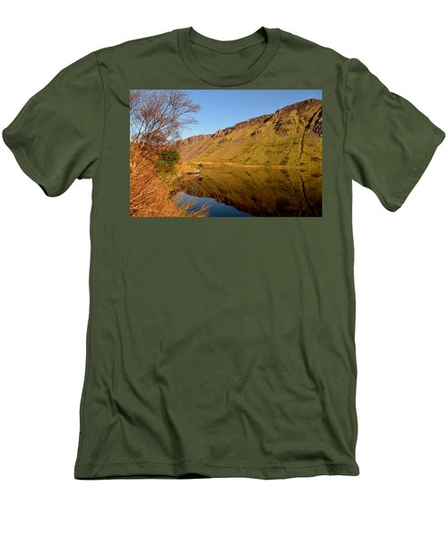Annascaul Lake Men's T-Shirt (Athletic Fit)