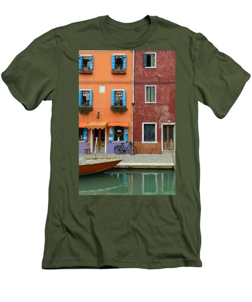 Burano Italy Men's T-Shirt (Athletic Fit)