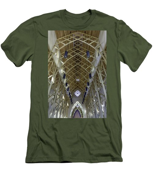 Trussed Arches Of Uf Chapel Men's T-Shirt (Slim Fit) by Lynn Palmer