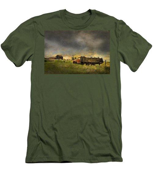 Abandoned Farm Truck Men's T-Shirt (Athletic Fit)