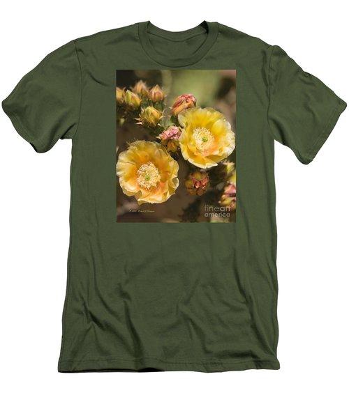 'albispina' Cactus Blooms Men's T-Shirt (Athletic Fit)