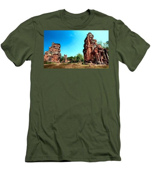Angkor Wat Ruins Men's T-Shirt (Athletic Fit)