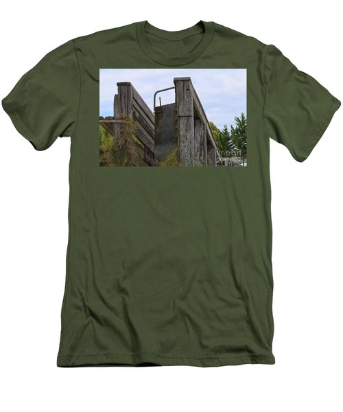 Animal Ramp Men's T-Shirt (Athletic Fit)
