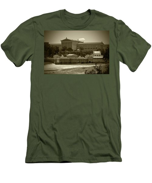 Art Museum And Fairmount Waterworks - Bw Men's T-Shirt (Slim Fit) by Lou Ford