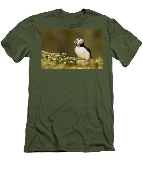 Atlantic Puffin Carrying Fish Skomer Men's T-Shirt (Slim Fit) by Sebastian Kennerknecht
