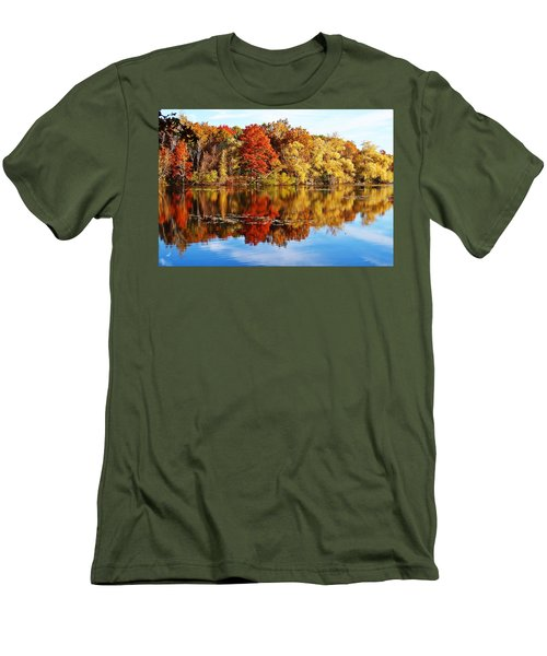 Autumn At Horn Pond Men's T-Shirt (Athletic Fit)