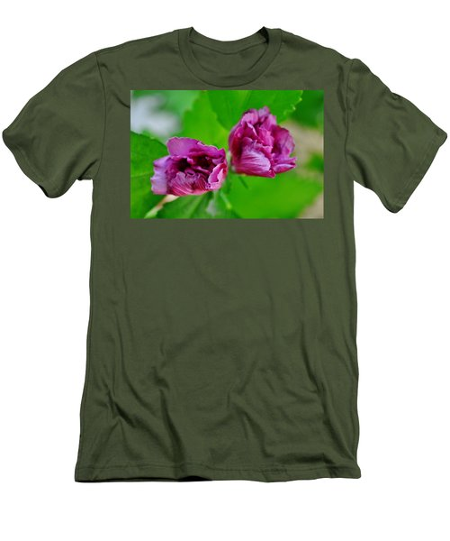 Back Yard Weed Men's T-Shirt (Athletic Fit)