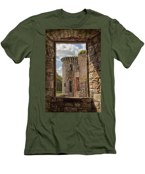 Caerlaverock Castle Men's T-Shirt (Athletic Fit)