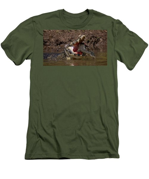 Caiman Vs Catfish 1 Men's T-Shirt (Athletic Fit)