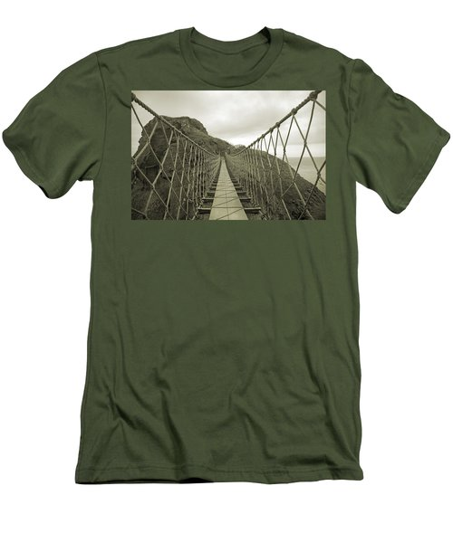 Carrick-a-rede Rope Bridge Men's T-Shirt (Athletic Fit)