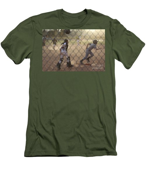 Catcher In Action Men's T-Shirt (Athletic Fit)