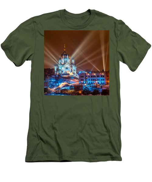 Cathedral Of St Paul Ready For Red Bull Crashed Ice Men's T-Shirt (Athletic Fit)