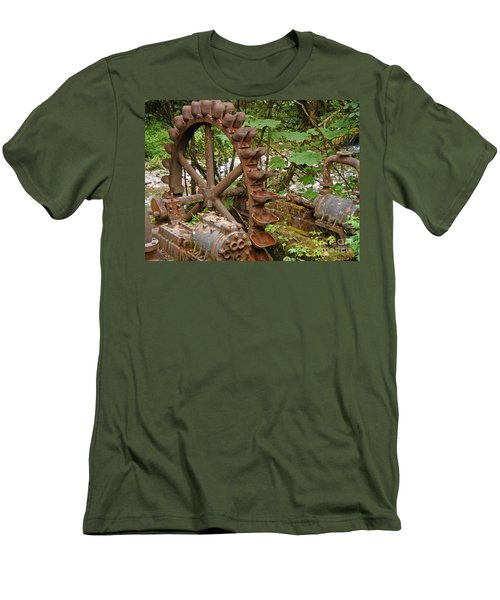 Chilkoot Men's T-Shirt (Athletic Fit)