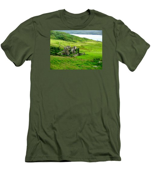 Clifden Castle Men's T-Shirt (Athletic Fit)