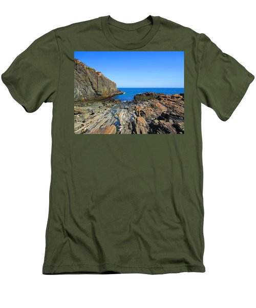 Cliff House Maine Coast Men's T-Shirt (Athletic Fit)