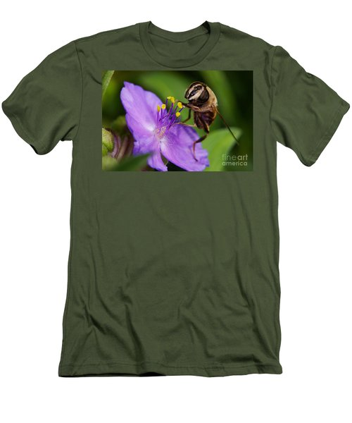 Closeup Of A Bee On A Purple Flower Men's T-Shirt (Athletic Fit)