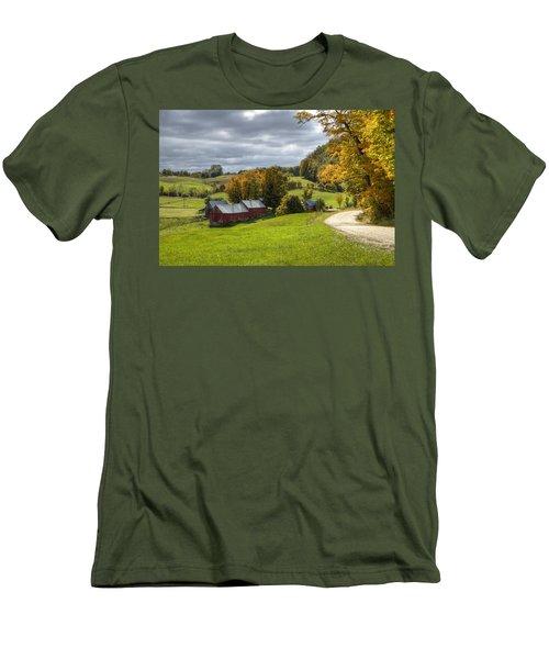 Country Farm Men's T-Shirt (Athletic Fit)