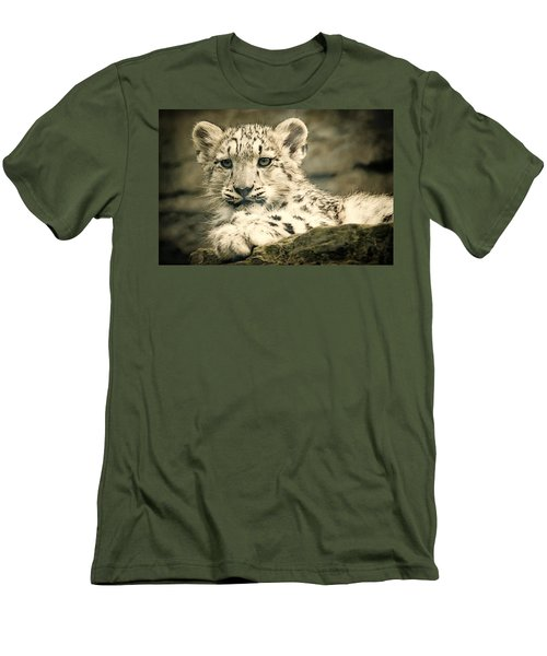 Cute Snow Cub Men's T-Shirt (Athletic Fit)