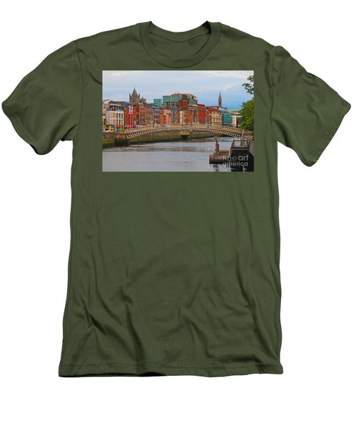 Dublin On The River Liffey Men's T-Shirt (Athletic Fit)