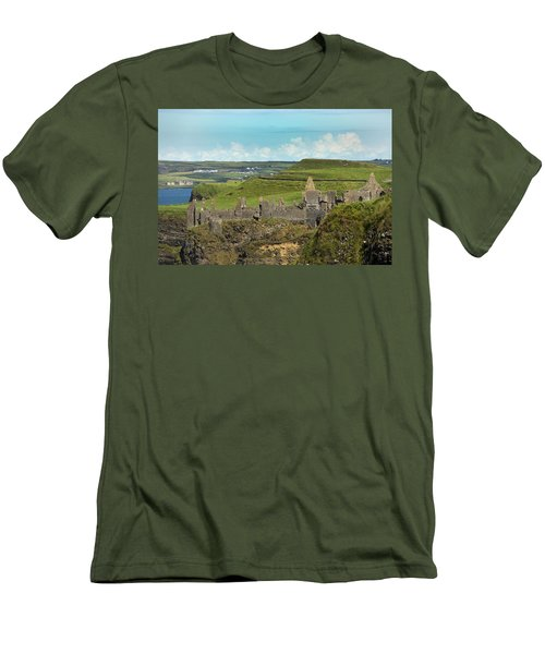 Dunluce Afternoon Ireland Men's T-Shirt (Athletic Fit)
