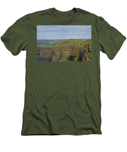 Dunluce Castle Ireland Men's T-Shirt (Athletic Fit)