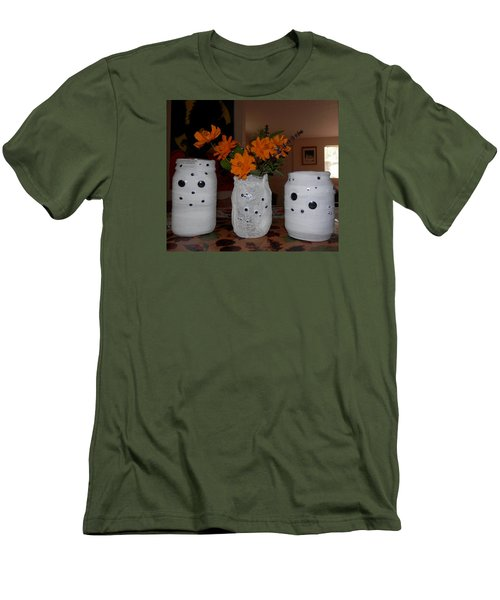 Halloween Flowers For Mummy Men's T-Shirt (Slim Fit) by Belinda Lee