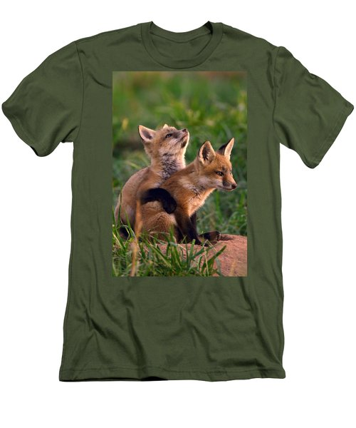 Fox Cub Buddies Men's T-Shirt (Athletic Fit)