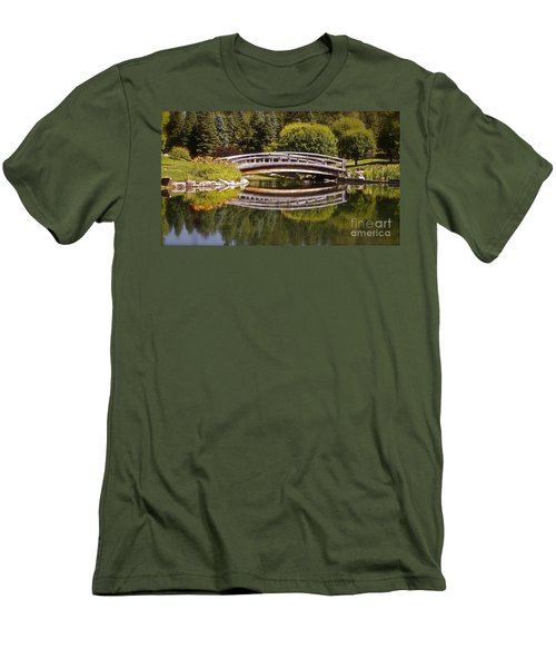Garden Bridge Men's T-Shirt (Athletic Fit)