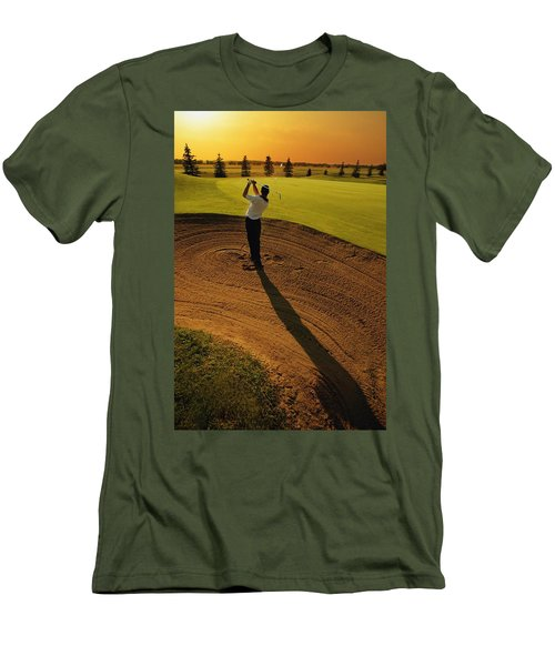 Golfer Taking A Swing From A Golf Bunker Men's T-Shirt (Athletic Fit)