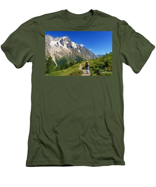 hiking in Ferret Valley Men's T-Shirt (Athletic Fit)