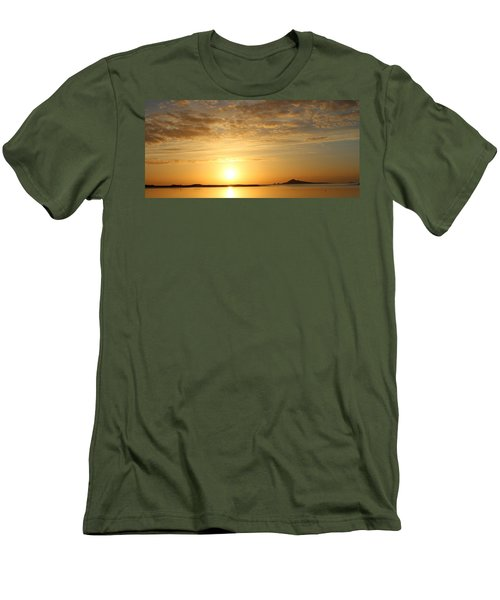 Irelands Eye At Dawn Men's T-Shirt (Athletic Fit)