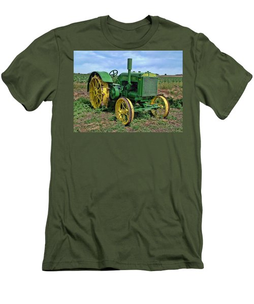 John Deere Tractor Hdr Men's T-Shirt (Athletic Fit)