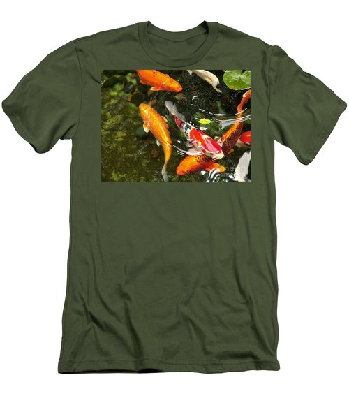 Koi Fish Japan Men's T-Shirt (Athletic Fit)