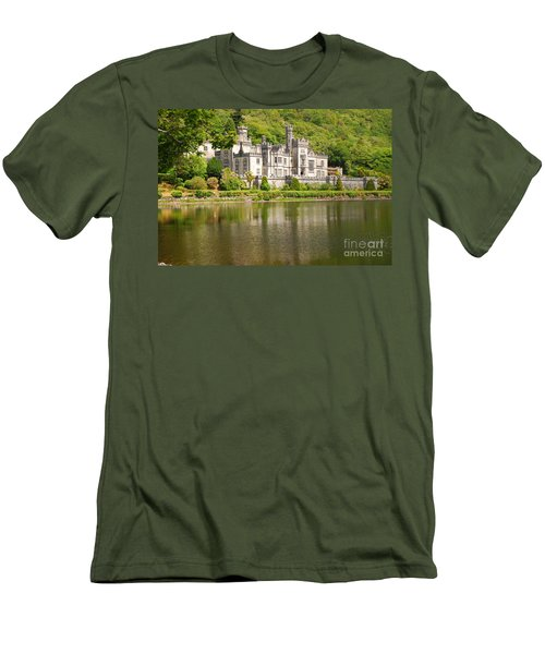 Kylemore Abbey 2 Men's T-Shirt (Athletic Fit)