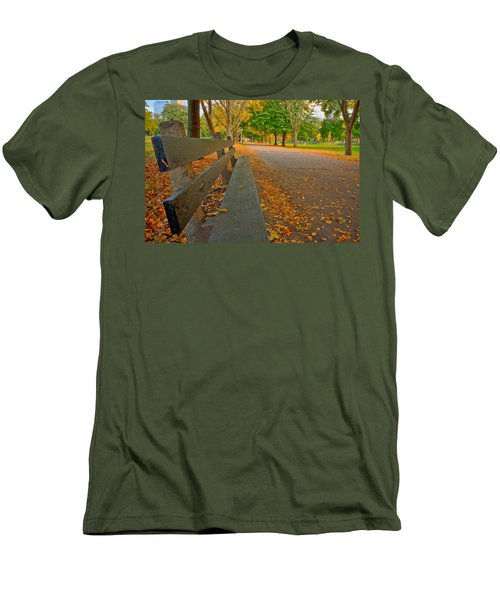 Lincoln Park Bench In Fall Men's T-Shirt (Athletic Fit)
