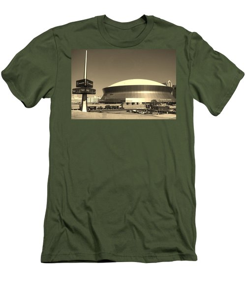 Mercedes Benz Superdome - New Orleans La Men's T-Shirt (Athletic Fit)