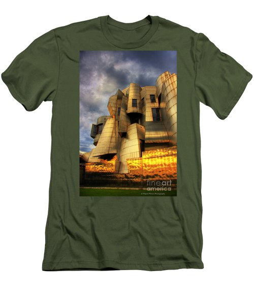 Minneapolis Skyline Photography Weisman Museum Men's T-Shirt (Athletic Fit)